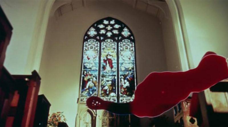 scena film dont look now: chiesa