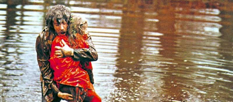 lago scena venezia rosso shocking, cinemetus trama film