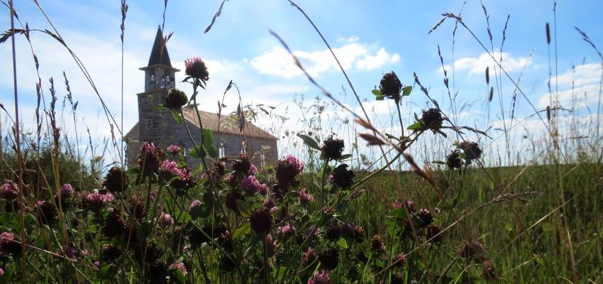 chiesa set del film nell'erba alta